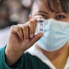 Lo que no se está informando de las vacunas contra el Covid-19