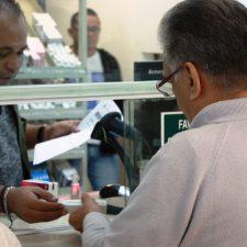 El IMSS de AMLO niega medicinas y deja de reportar compras